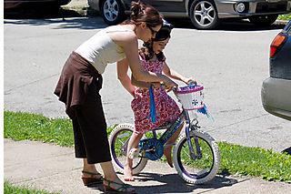Liv_mom_bike1